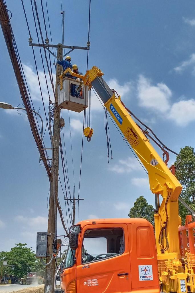 TP HCM bắt đầu giảm tiền điện cho một số nhóm khách hàng - Ảnh 1.