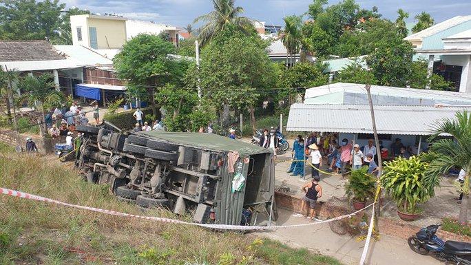 Quảng Nam: Xe tải lao xuống vực, 2 người tử vong - Ảnh 5.