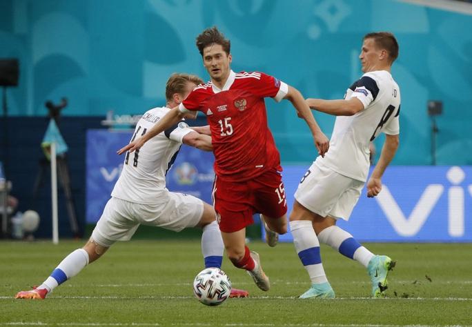 Giành được 3 điểm, tuyển Nga thắp lại hi vọng đi tiếp - Ảnh 2.