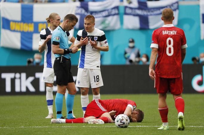 Giành được 3 điểm, tuyển Nga thắp lại hi vọng đi tiếp - Ảnh 13.