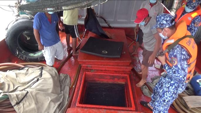 Cảnh sát biển ở Phú Quốc liên tiếp bắt giữ tàu chở dầu DO không rõ nguồn gốc - Ảnh 3.