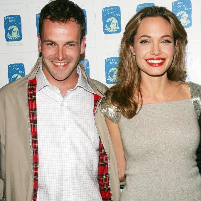 Pax Thiên tháp tùng khi Angelina Jolie đến thăm chồng cũ - Ảnh 3.