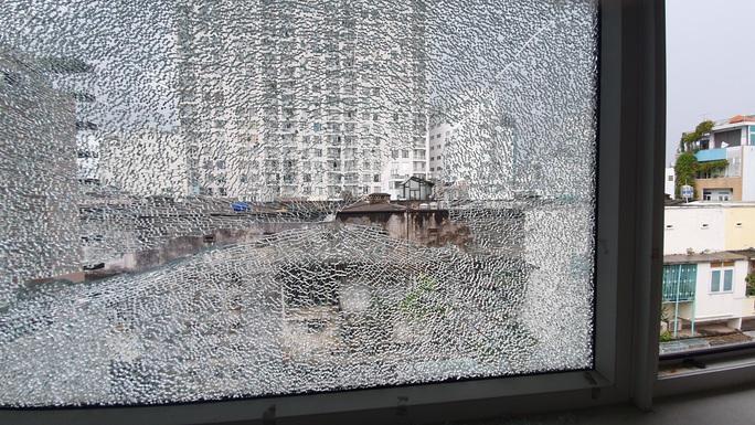 """Một gia đình sinh sống trên đường Nguyễn Văn Nguyễn, quận 1 liên tục bị """"khủng bố"""" - Ảnh 6."""