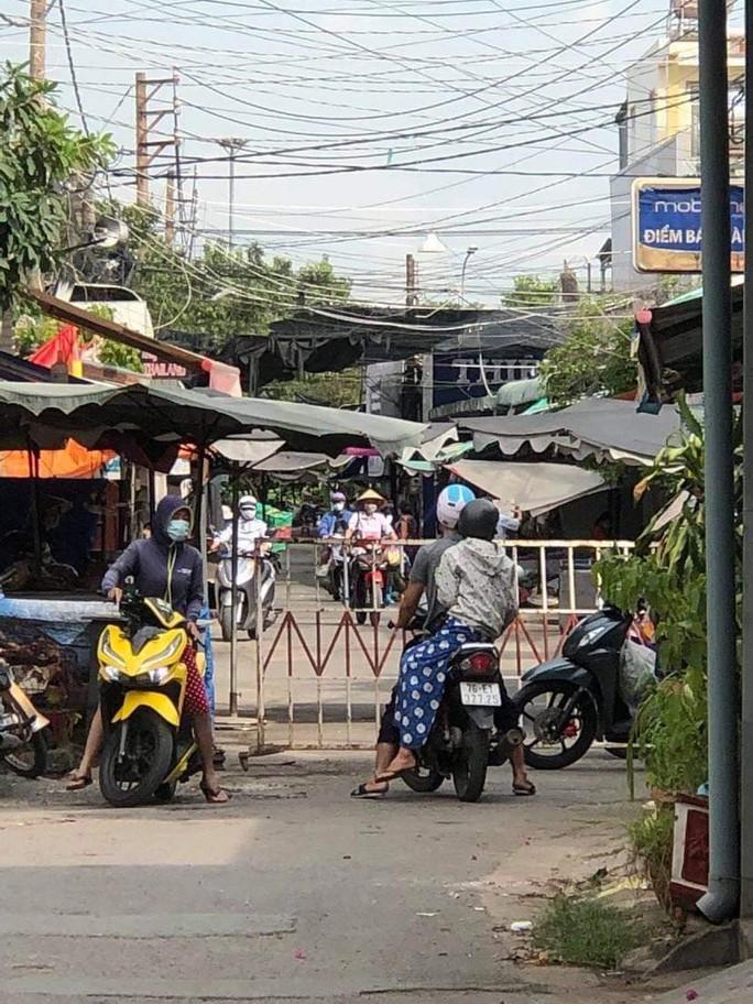 Đồng Nai phong tỏa chợ ở Long Bình Tân bên cạnh siêu thị Big C - Ảnh 6.