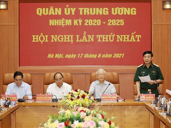 Công bố quyết định của Bộ Chính trị về công tác cán bộ - Ảnh 12.