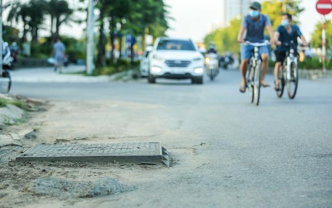 CLIP: Cận cảnh Dự án đại lộ Chu Văn An ngàn tỉ vẫn dang dở sau 7 năm thực hiện - Ảnh 7.