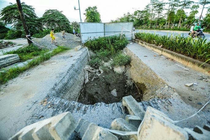 CLIP: Cận cảnh Dự án đại lộ Chu Văn An ngàn tỉ vẫn dang dở sau 7 năm thực hiện - Ảnh 3.