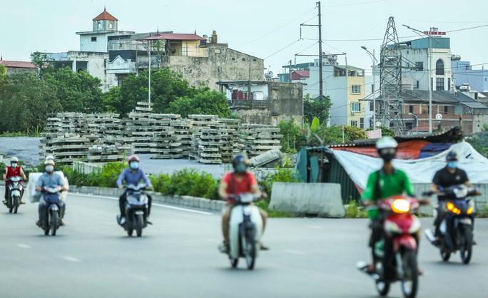 CLIP: Cận cảnh Dự án đại lộ Chu Văn An ngàn tỉ vẫn dang dở sau 7 năm thực hiện - Ảnh 14.