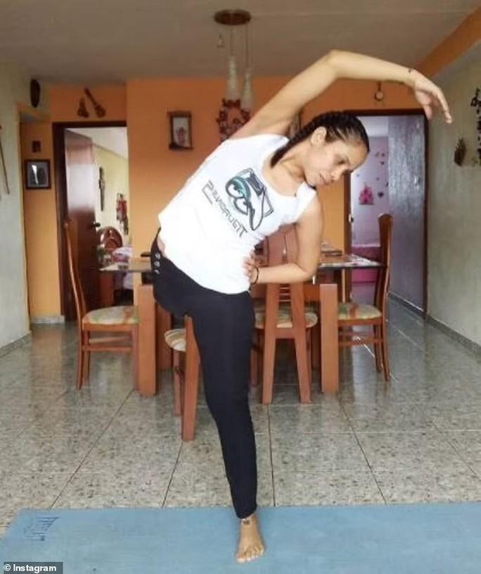 Nữ vũ công một chân lại gây sốt với điệu salsa điêu luyện - Ảnh 5.