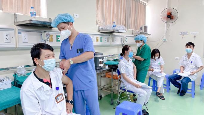 Phân bổ đợt 5 vắc-xin Covid-19, TP HCM nhiều nhất với 786.000 liều - Ảnh 1.