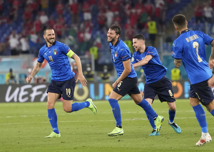 Vùi dập Thụy Sĩ 3-0, tuyển Ý lập đại công vòng bảng Euro - Ảnh 3.