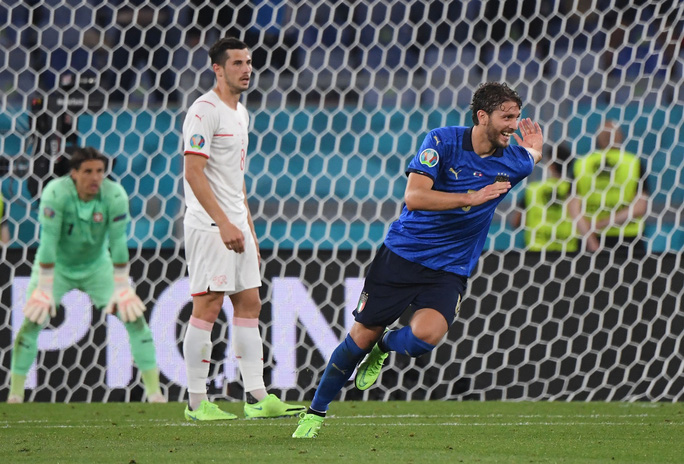 Vùi dập Thụy Sĩ 3-0, tuyển Ý lập đại công vòng bảng Euro - Ảnh 5.