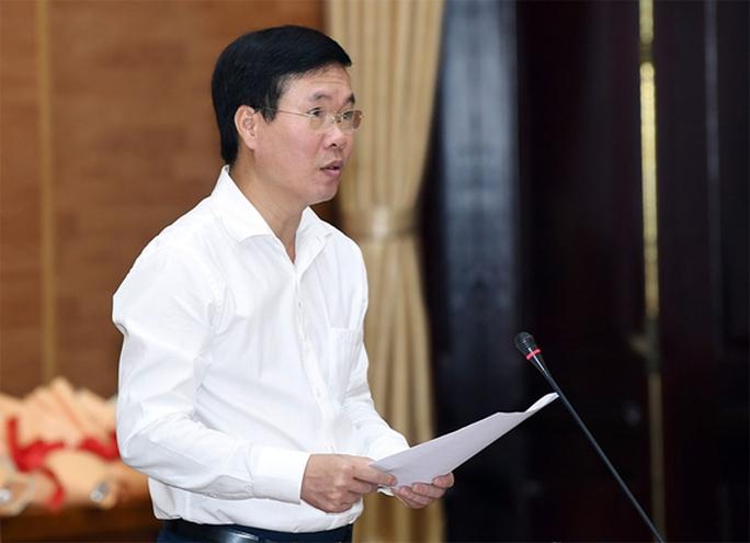 Công bố quyết định của Bộ Chính trị về công tác cán bộ - Ảnh 10.