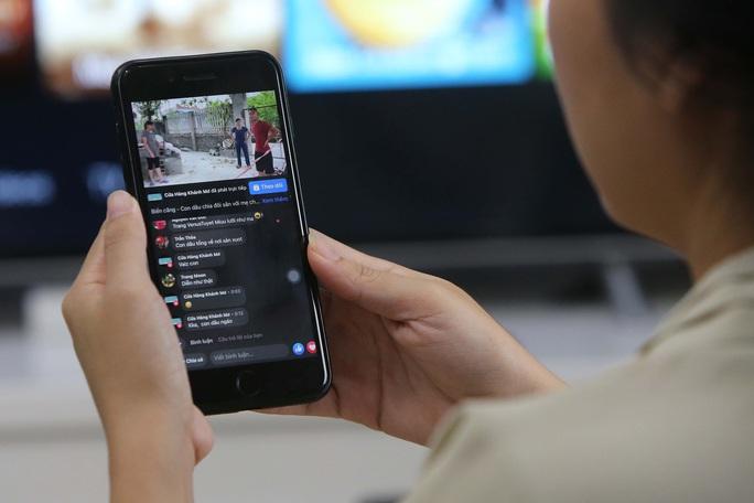Làm gì để chặn livestream bẩn?: Dùng pháp luật để trị - Ảnh 1.