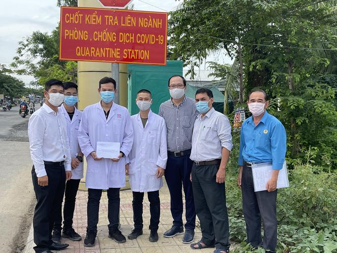 Công nhân, viên chức lao động Thành phố Hồ Chí Minh đoàn kết, chung tay đẩy lùi dịch bệnh, - Ảnh 3.