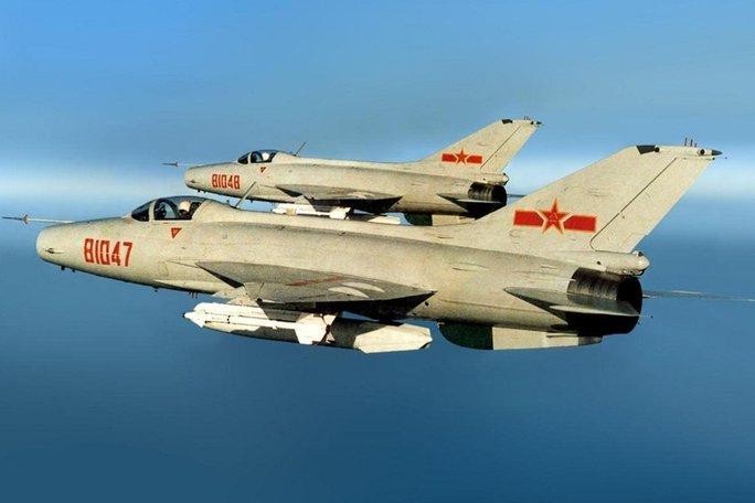 Máy bay Trung Quốc xâm nhập, Đài Loan lập tức triển khai phòng không - Ảnh 1.