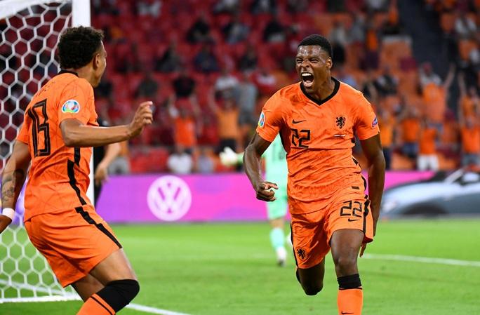 Denzel Dumfries lại lập công, Hà Lan giành vé sớm vòng 1/8 Euro 2020 - Ảnh 6.