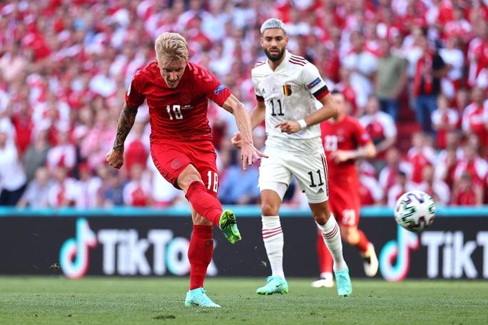Ngược dòng siêu đỉnh, Bỉ thắng tưng bừng chủ nhà Đan Mạch - Ảnh 8.
