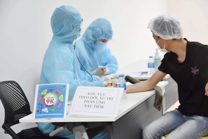 3 nhóm ưu tiên được tiêm 500.000 liều vắc-xin Covid-19 Sinopharm - Ảnh 2.
