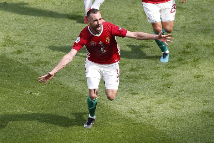 Nhà vô địch thế giới thoát thua trước Hungary - Ảnh 3.
