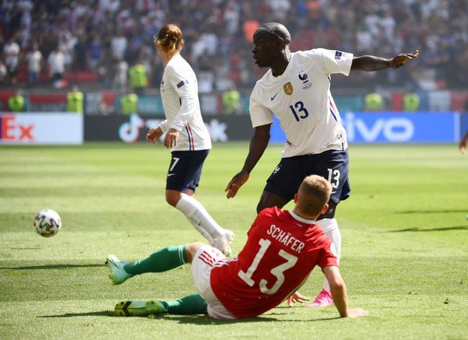 Nhà vô địch thế giới thoát thua trước Hungary - Ảnh 4.