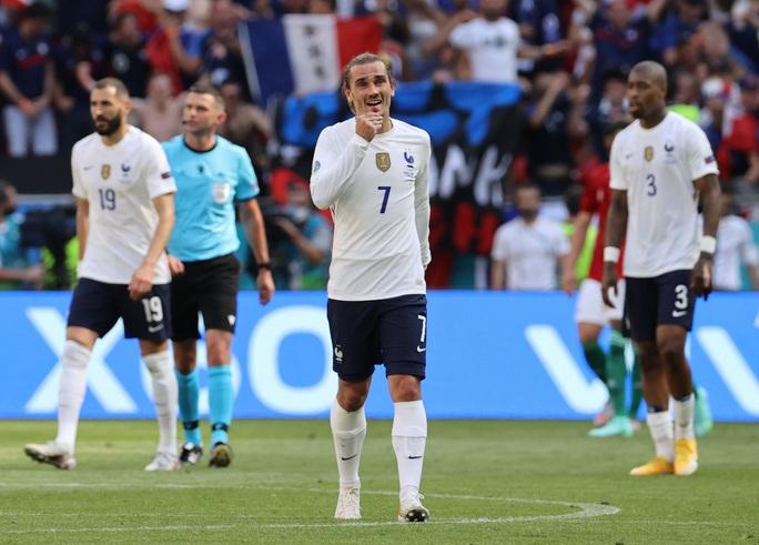 Nhà vô địch thế giới thoát thua trước Hungary - Ảnh 5.