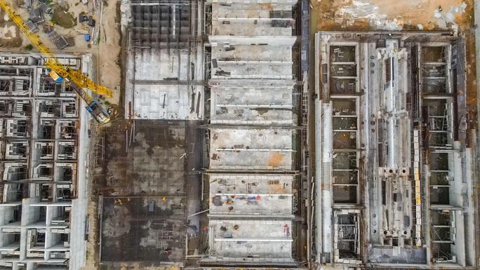 CLIP: Toàn cảnh dự án nhà máy nước mặt sông Hồng 3.700 tỉ đồng chậm tiến độ - Ảnh 8.