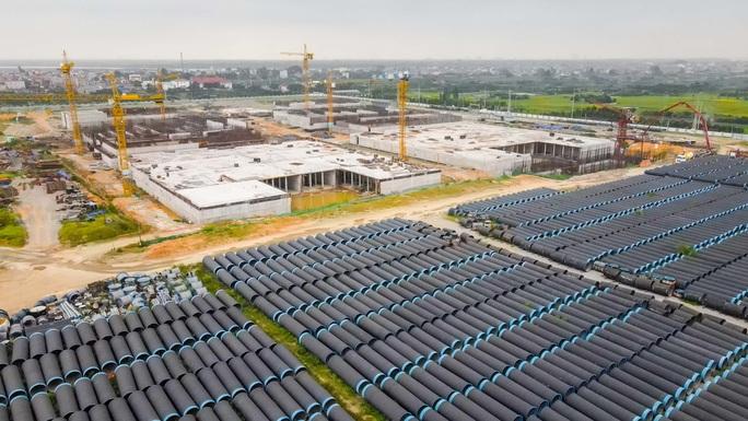 CLIP: Toàn cảnh dự án nhà máy nước mặt sông Hồng 3.700 tỉ đồng chậm tiến độ - Ảnh 3.