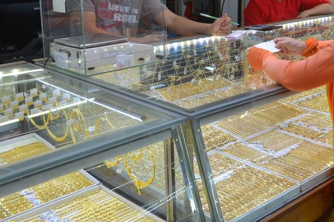 Giá vàng hôm nay 19-6: Giảm tương đương 3,1 triệu đồng/lượng sau 5 phiên giao dịch - Ảnh 1.