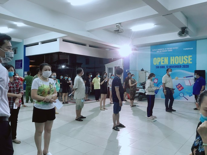 TP HCM: Hơn 1.600 người ở quận Tân Bình phải xét nghiệm vì tài xế dương tính với SARS-CoV-2 - Ảnh 1.