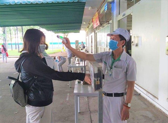 CÁC KHU CHẾ XUẤT - KHU CÔNG NGHIỆP TP HCM: Vừa phòng dịch vừa hỗ trợ công nhân - Ảnh 1.