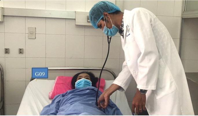 Chỉ mất 30 phút, bác sĩ giành lại sự sống cho 1 phụ nữ gặp nạn - Ảnh 2.