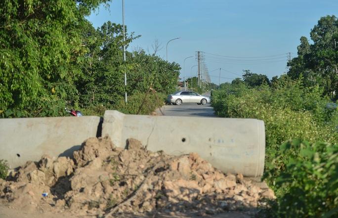 Nhiều ôtô phải quay đầu tại các chốt kiểm soát dịch giáp ranh với Bắc Ninh - Ảnh 11.