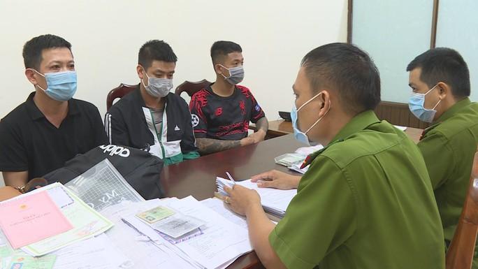 Bắt giữ nhóm đối tượng từ Hải Phòng vào tỉnh Đắk Lắk hành nghề thất đức - Ảnh 1.