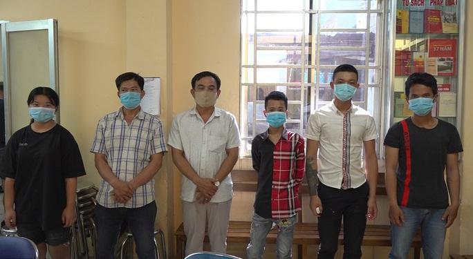 TP HCM: Băng nhóm tội phạm ám ảnh tiểu thương chợ Bình Điền - Ảnh 1.