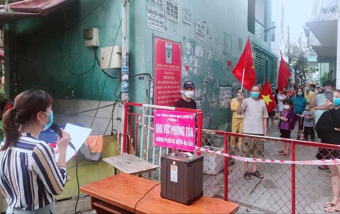NÓNG: Truy tìm những người từng đến 3 địa điểm tại quận Gò Vấp - TP HCM - Ảnh 1.