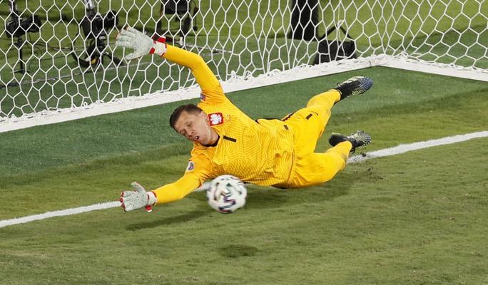 Lewandowski tỏa sáng, Tây Ban Nha đánh rơi chiến thắng trước Ba Lan - Ảnh 7.