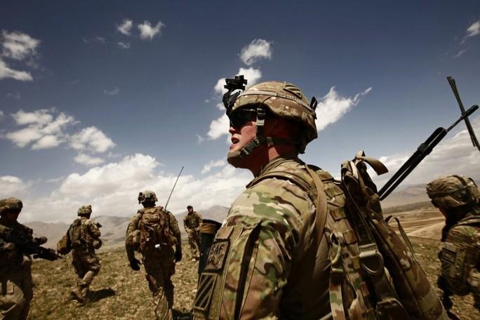 Trung Quốc thúc công dân khẩn trương rời Afghanistan - Ảnh 1.