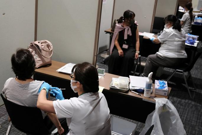Châu Á tăng tốc phủ sóng vắc-xin Covid-19 - Ảnh 1.