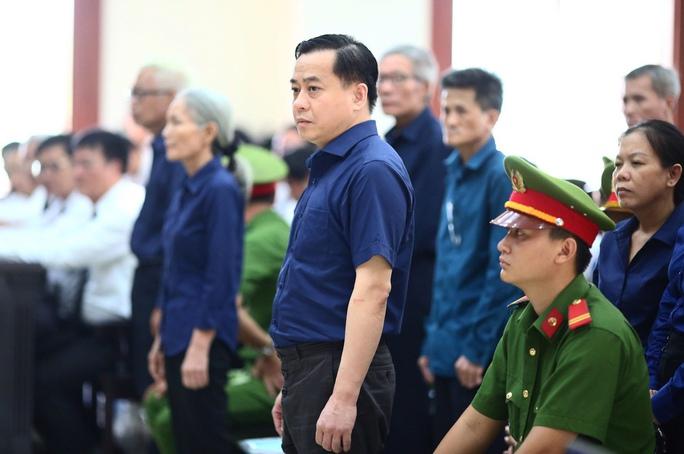 Nguyên Phó tổng cục trưởng Tổng cục Tình báo bị khởi tố tội Nhận hối lộ - Ảnh 1.