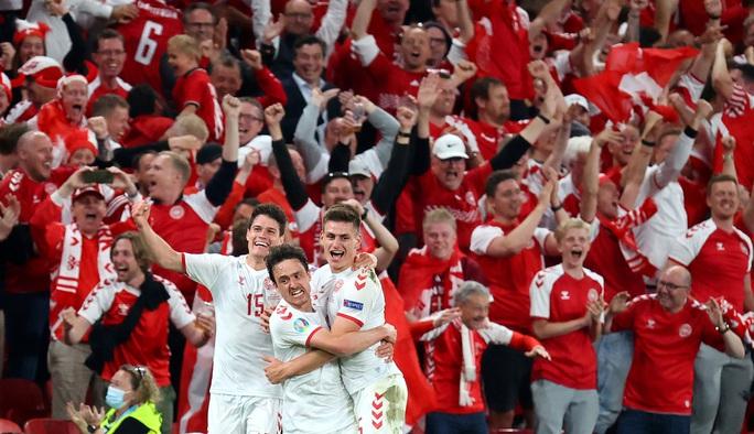 Đè bẹp Nga, Đan Mạch cùng Bỉ vào vòng 1/8 Euro 2020 - Ảnh 2.
