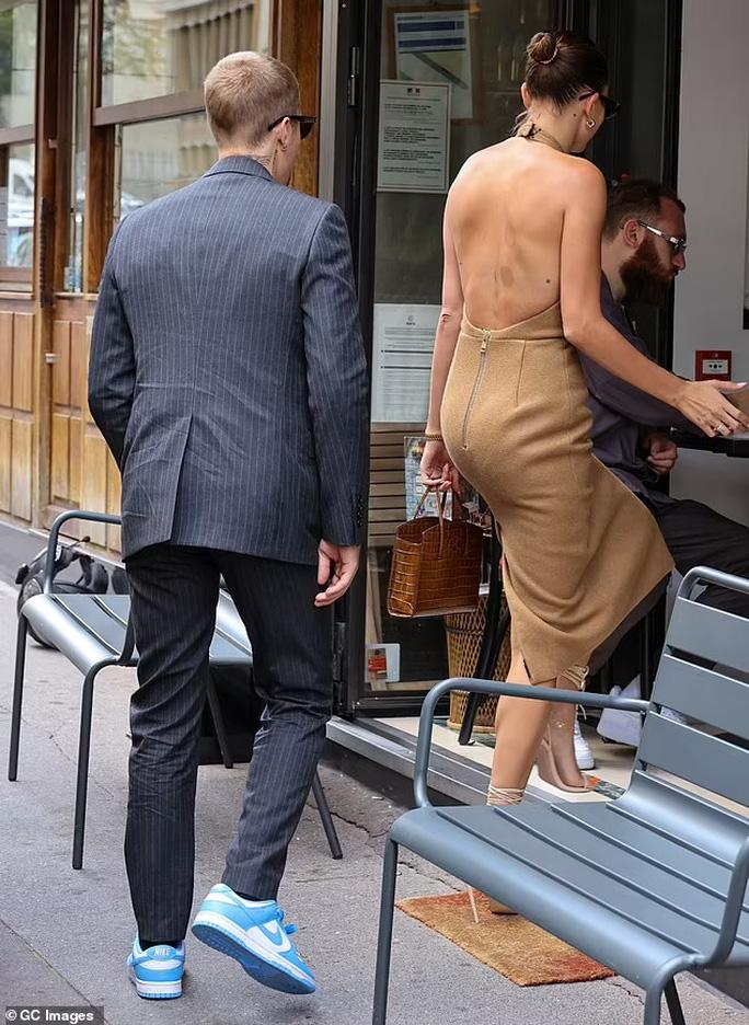 Vợ chồng Justin Bieber gây sốc khi diện kiến Tổng thống Pháp - Ảnh 3.