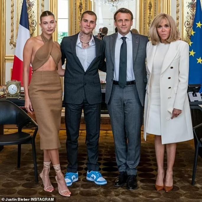 Vợ chồng Justin Bieber gây sốc khi diện kiến Tổng thống Pháp - Ảnh 1.