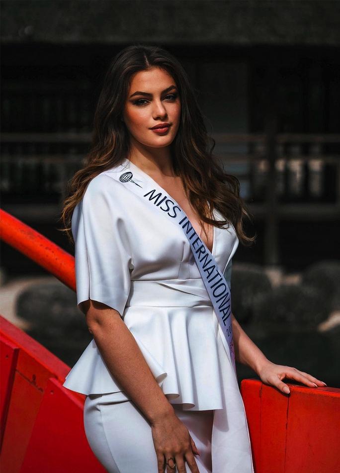 Người mẫu đăng quang Hoa hậu Quốc tế Pháp 2021 - Ảnh 1.