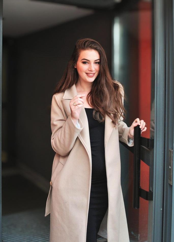 Người mẫu đăng quang Hoa hậu Quốc tế Pháp 2021 - Ảnh 8.