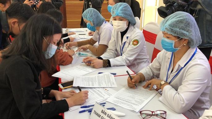 Bộ Y tế: Thận trọng phê duyệt khẩn cấp vắc-xin Nano Covax không phải là làm khó doanh nghiệp - Ảnh 3.