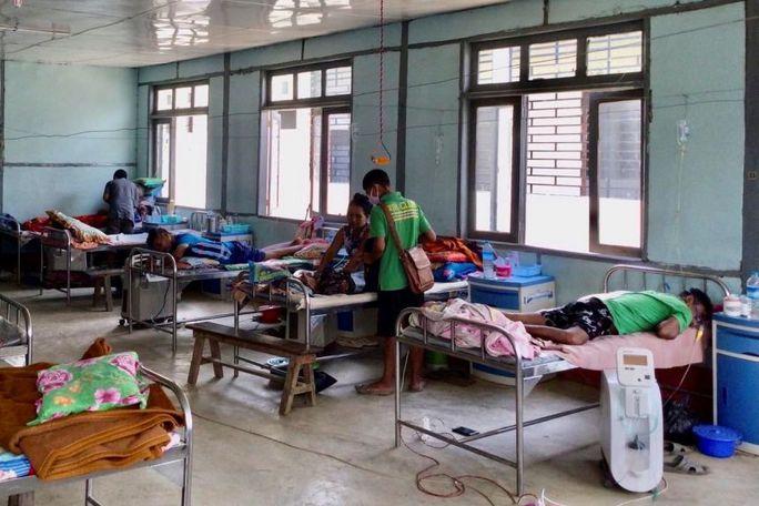 Tổng thống Philippines: Sẽ bỏ tù người từ chối tiêm vắc-xin Covid-19 - Ảnh 2.