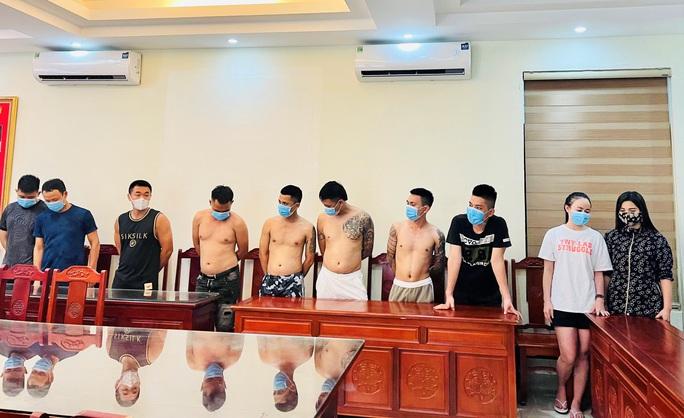 Thuê khách sạn mở tiệc ma túy chiêu đãi đàn em sắp ra hầu tòa - Ảnh 1.
