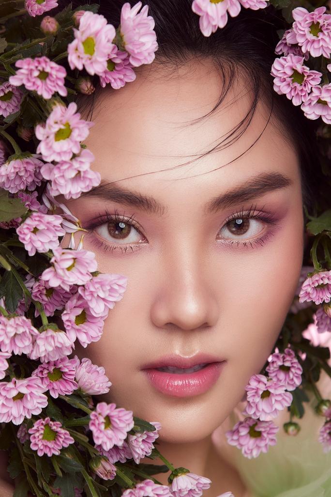 Xuất hiện ứng tuyển vương miện Miss World Vietnam 2021 dù cuộc thi chưa diễn ra - Ảnh 2.
