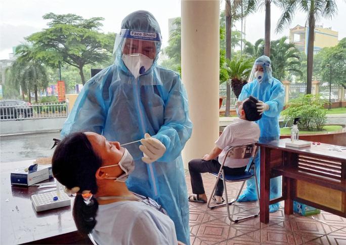 TP HCM: Truy tìm khẩn những người từng đến một khu chợ ở quận Tân Phú - Ảnh 1.